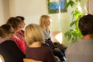 Teilnehmer des Seminars von Dipl.-Psych. Anna-Maria Steyer für Eltern von Kindern mit Down-Syndrom in Weimar 2015: Stressbewältigung und Lebens-Balance